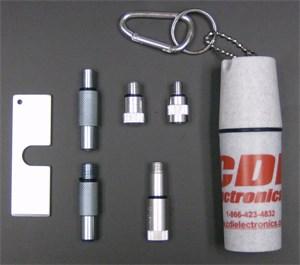 Adapterkit i plastbehållare