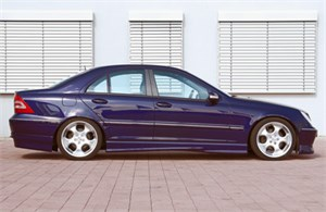 Reservdel:Mercedes 220 Sidokjolar, Höger