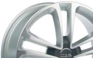 Mak Invidia Hyper Silver
